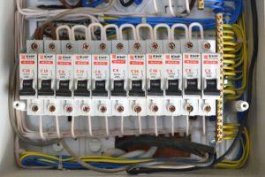 zamena avtomata v elektroshite cena